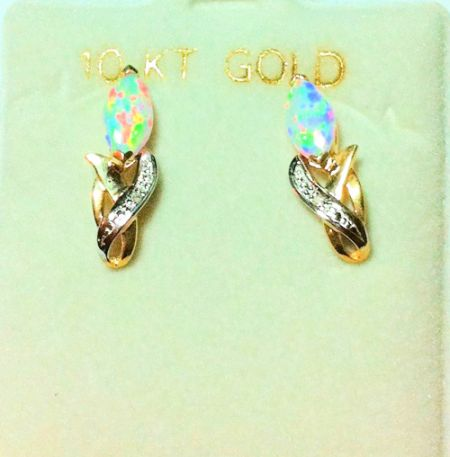 10k gold earing                   picture