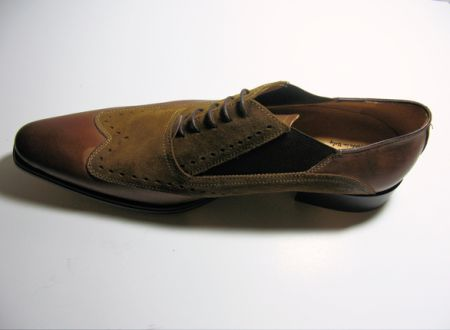 Brown Shoe    picture